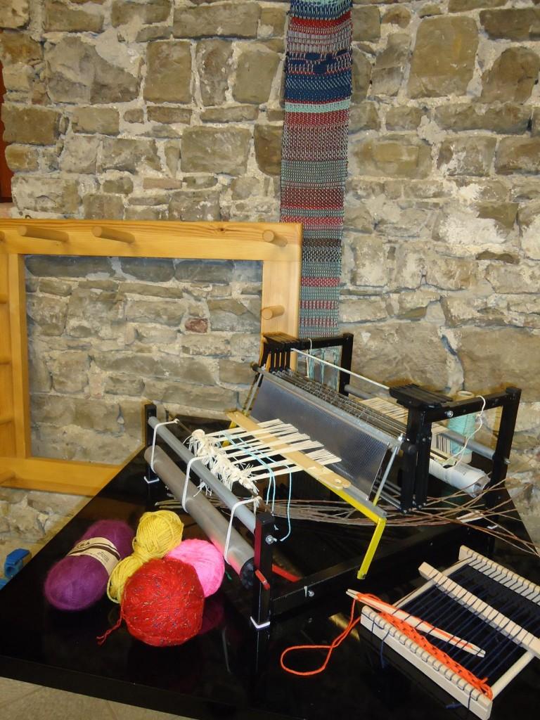 Corso di tessitura a mano a gorizia - Telaio da tavolo per tessitura a mano ...